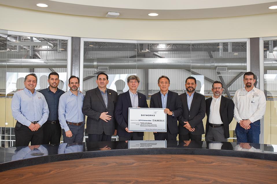 Impulsan CETYS y Skyworks desarrollo de ingenieros de la región
