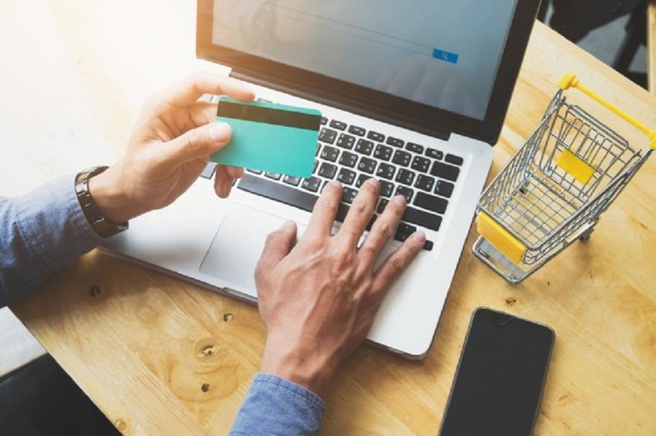 Miedo y desconocimiento frenan el despegue del e-commerce en México