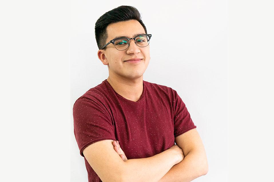 Desarrolla empresa a partir de lo visto en clases, esta es la historia de Juan Flores
