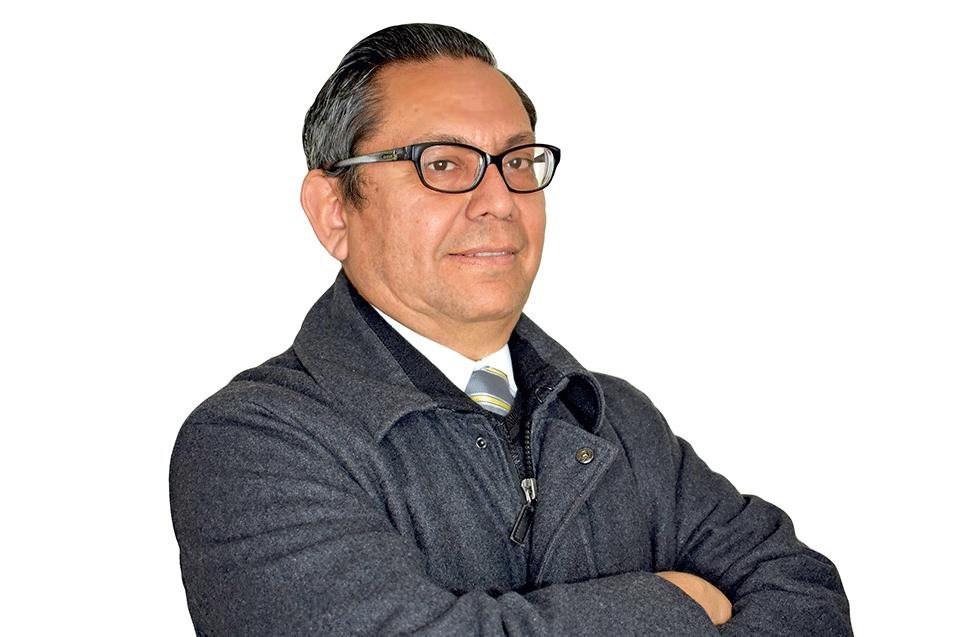 El Mtro. Roberto Salas, es Coordinador de Ingeniería en Mecánica, en la Escuela de Ingeniería de CETYS Campus Tijuana