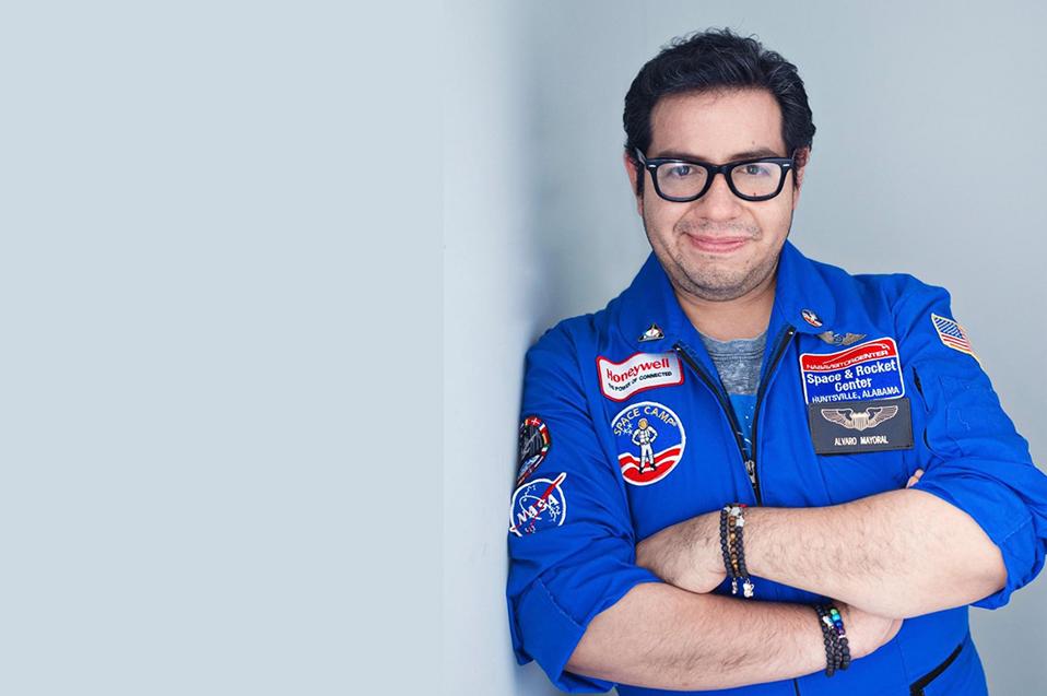 La docencia te lleva al espacio: Álvaro Mayoral CETYS Alumni