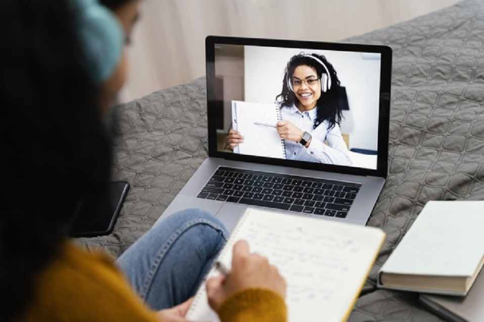 ¿Estudiante en casa? Ayúdale a mejorar su rendimiento con estos tips