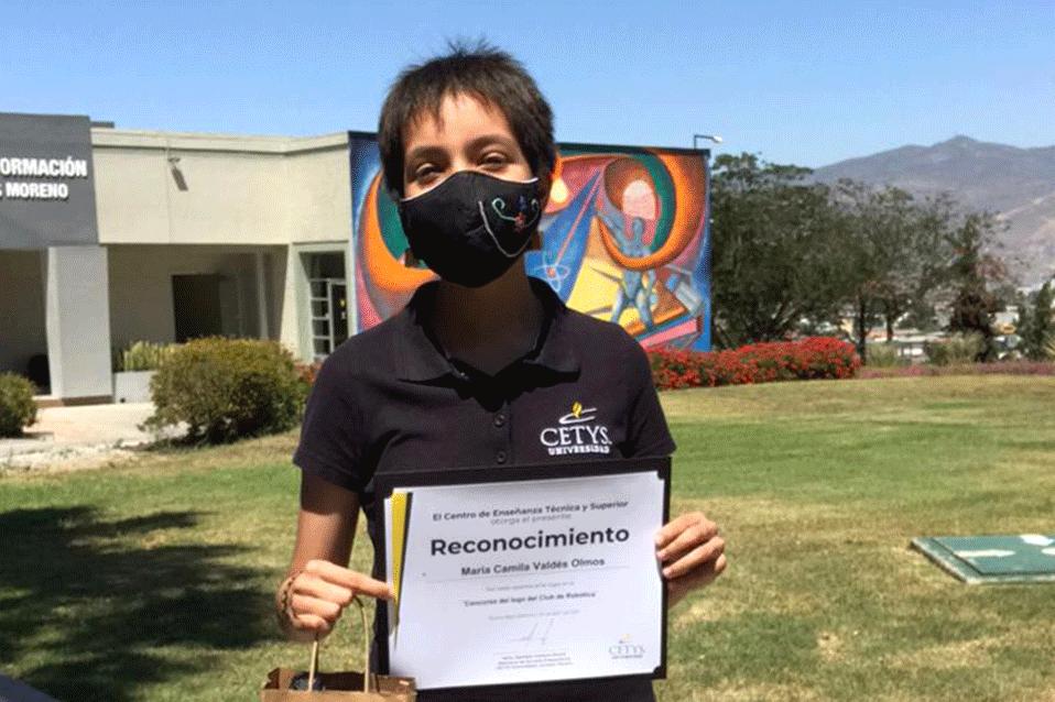 Alumna de Prepa CETYS gana concurso de logo para el Club de Robótica