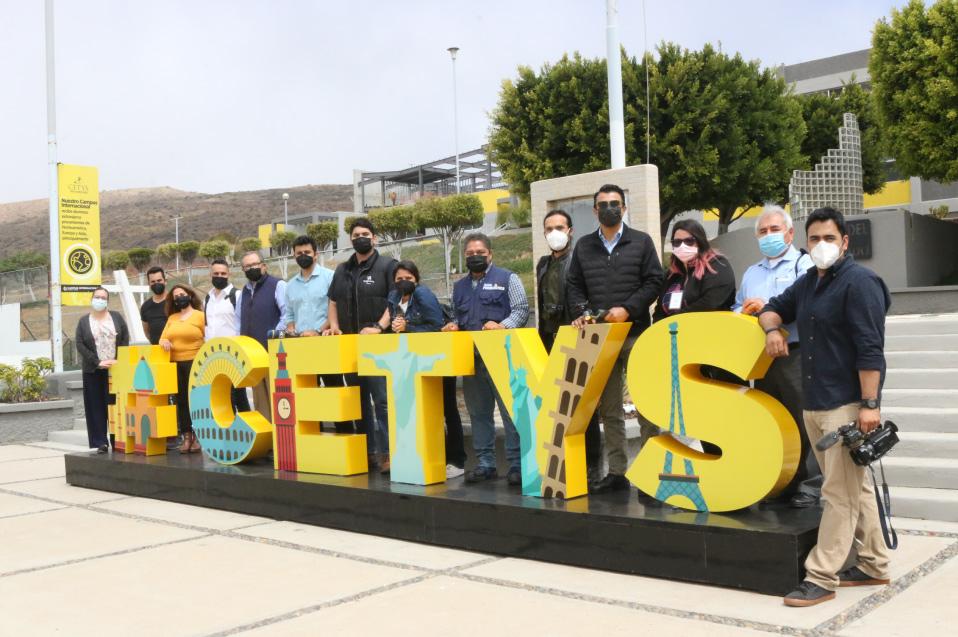 Recorrido medios de comunicación: CEVIT y aulas híbridas en Campus Ensenada