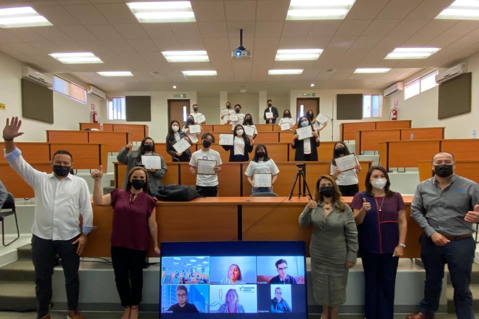 Con entrega de becas, CETYS y Fundación IEnova impulsan los sueños de estudiantes talentosos