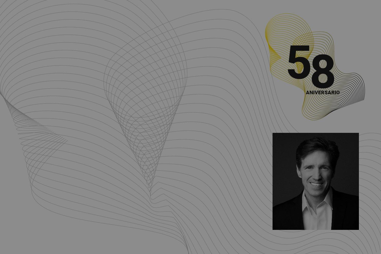Conferencista participante en 58 aniversario CETYS