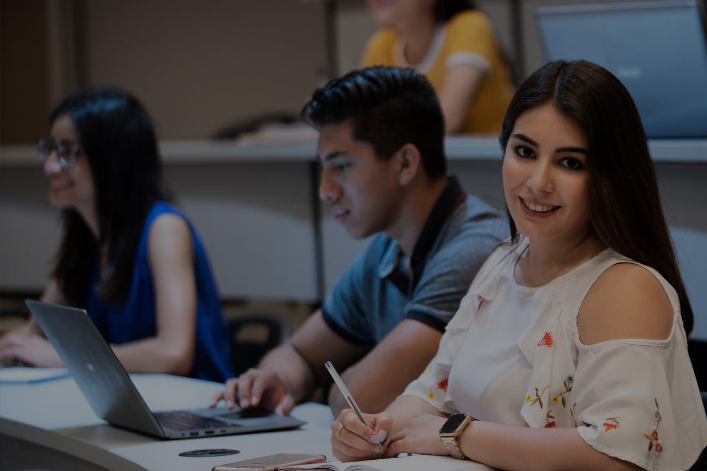 Estudiante de profesional en CETYS